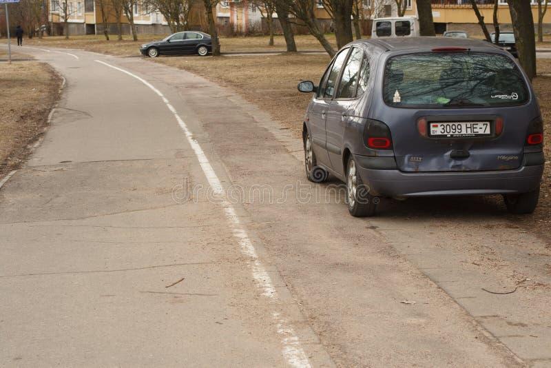 Violação de estacionamento em uma cidade grande foto de stock royalty free