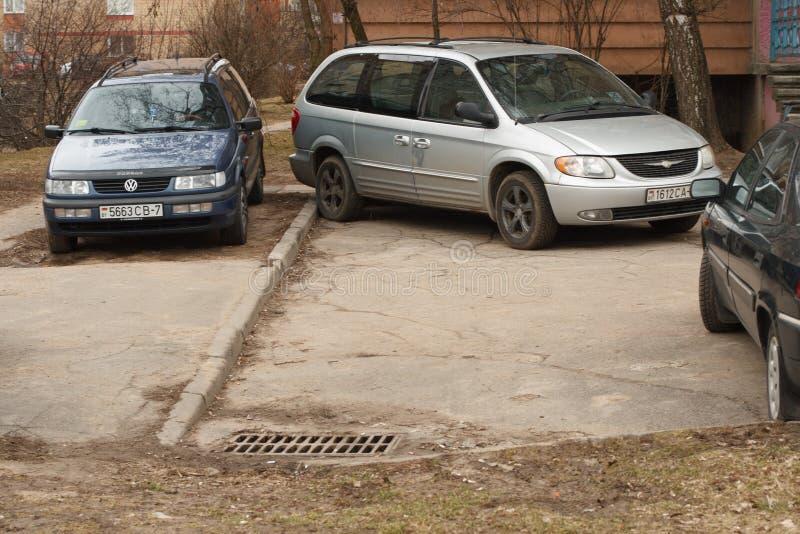 Violação de estacionamento em uma cidade grande fotografia de stock royalty free