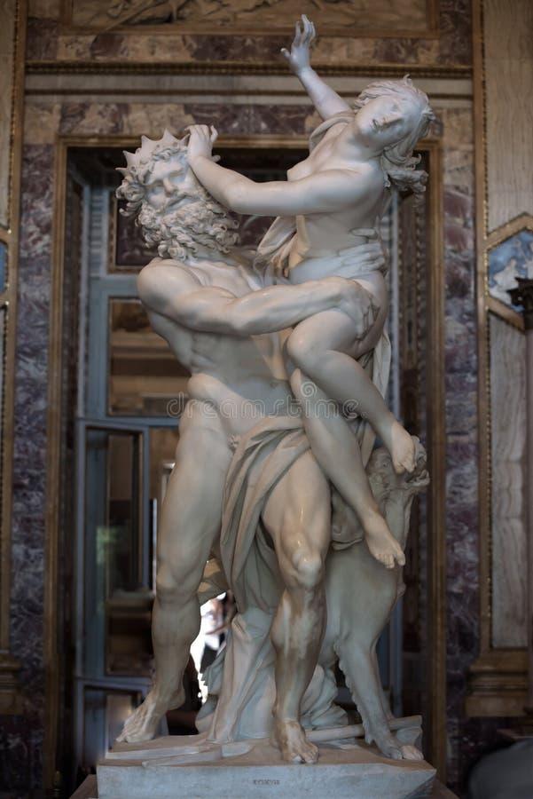 Violação de Proserpine por Gian Lorenzo Bernini foto de stock
