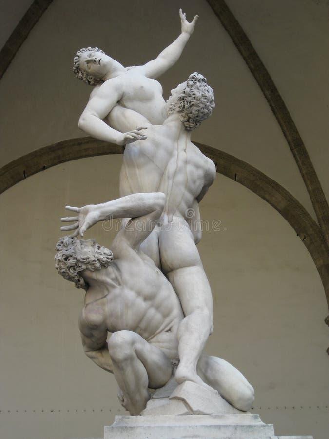 Violação de Sabine Woman por Giambologna foto de stock