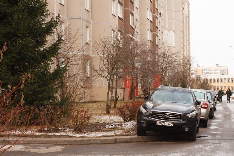 Violação do estacionamento uma cidade grande imagem de stock