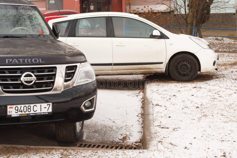 Violação do estacionamento uma cidade grande fotos de stock