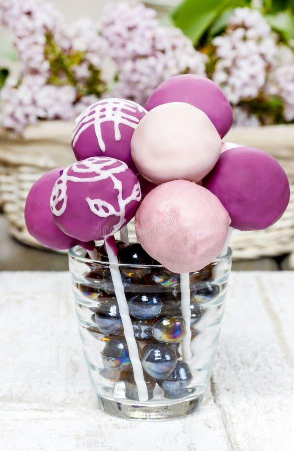 Viola, lillà e schiocchi rosa del dolce fotografie stock