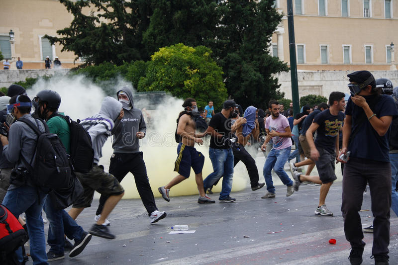 Download Violent Clashes During Merkel Visit In Athens Editorial Photo - Image: 27042366