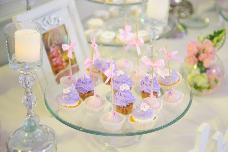 Violet Cupcakes stockfoto