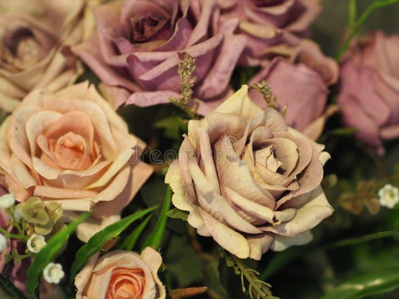 Violet Pink steg handgjorda blommahantverk royaltyfria bilder