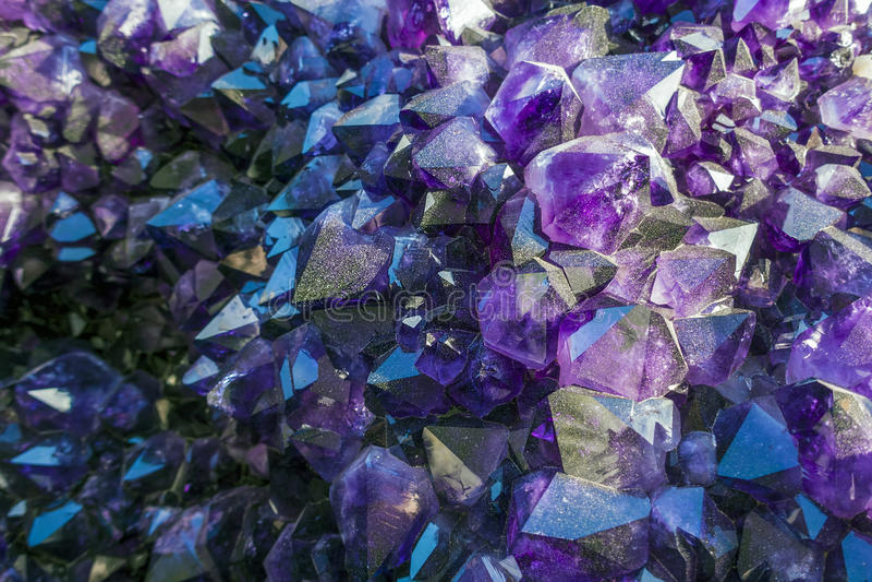 Violetkleurige crzstals royalty-vrije stock fotografie