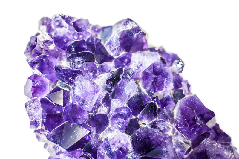 Violetkleurige kristalgeode stock afbeelding