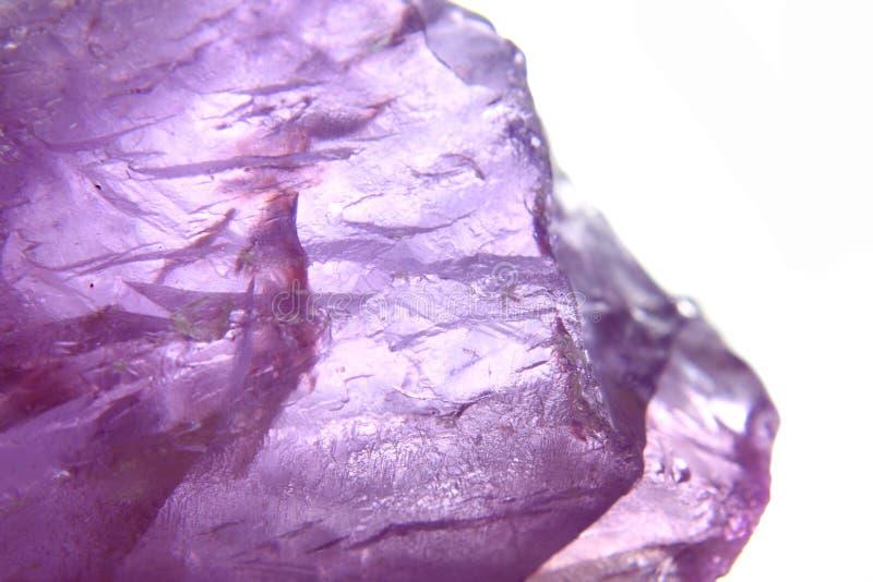Violetkleurige minerale achtergrond stock afbeelding