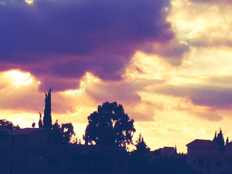 Violett himmel arkivbilder