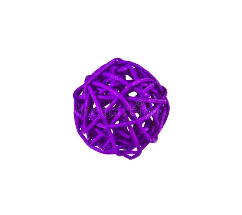 Violette die bal op witte achtergrond wordt geïsoleerdk stock fotografie