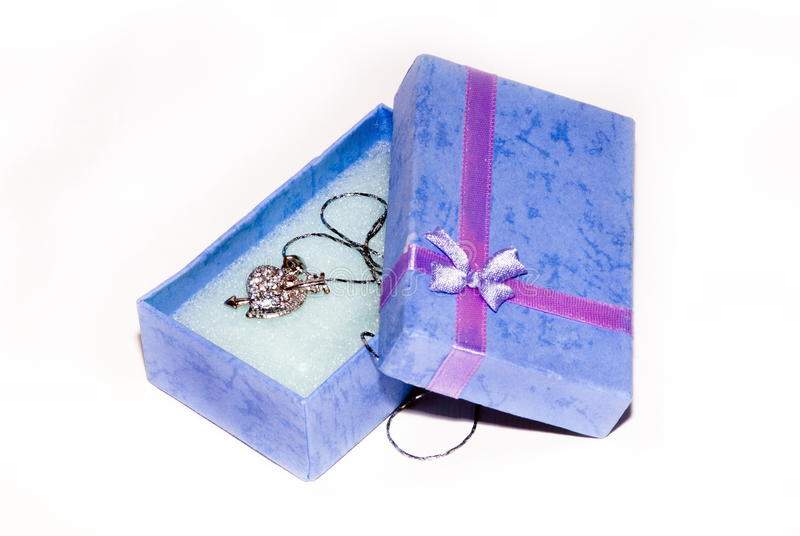 Violette giftdoos royalty-vrije stock afbeeldingen