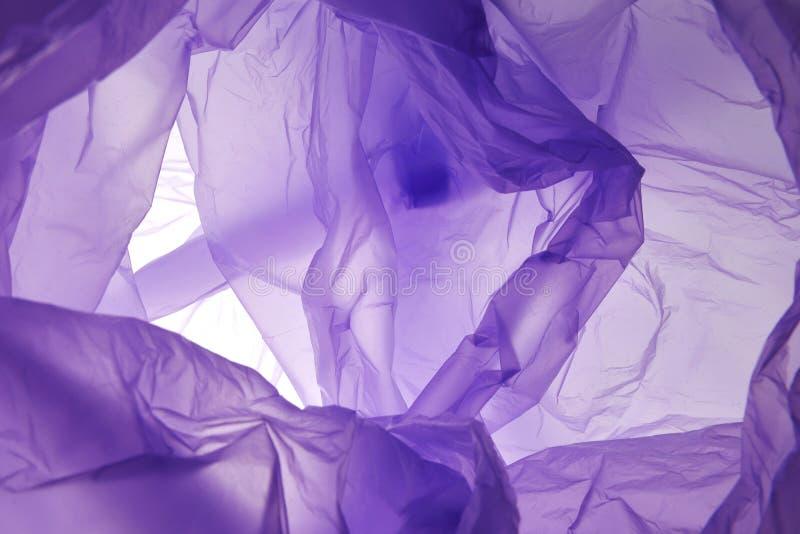 Violette samenvatting geschilderde waterverfachtergrond r royalty-vrije stock afbeeldingen