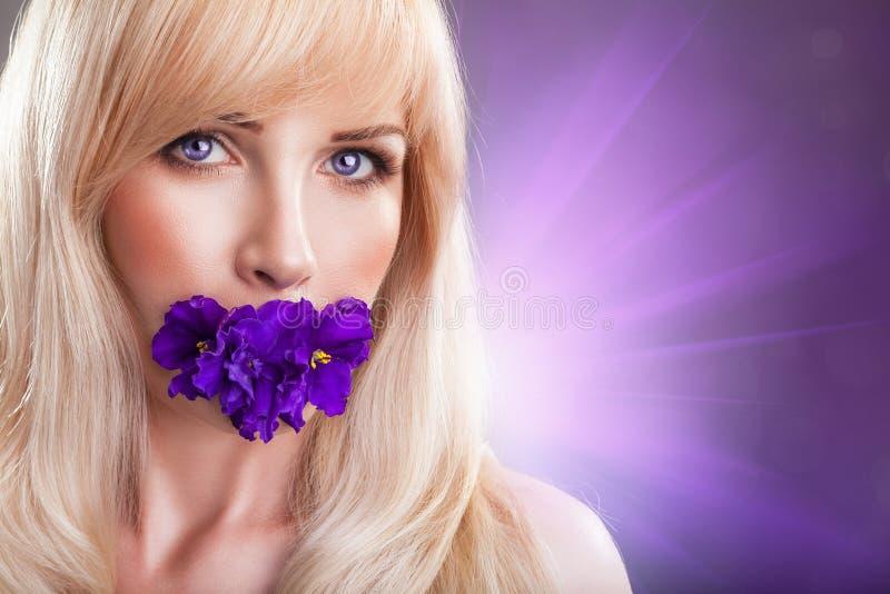 violettes photo libre de droits