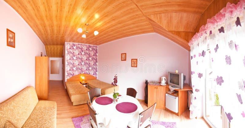 Violettes Hotelzimmer Lizenzfreie Stockbilder