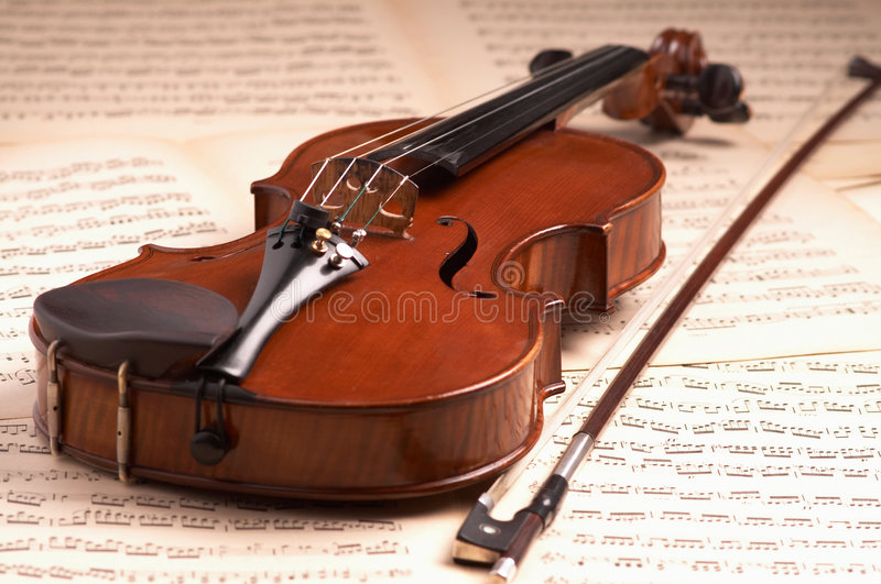 Violin. E over music notes