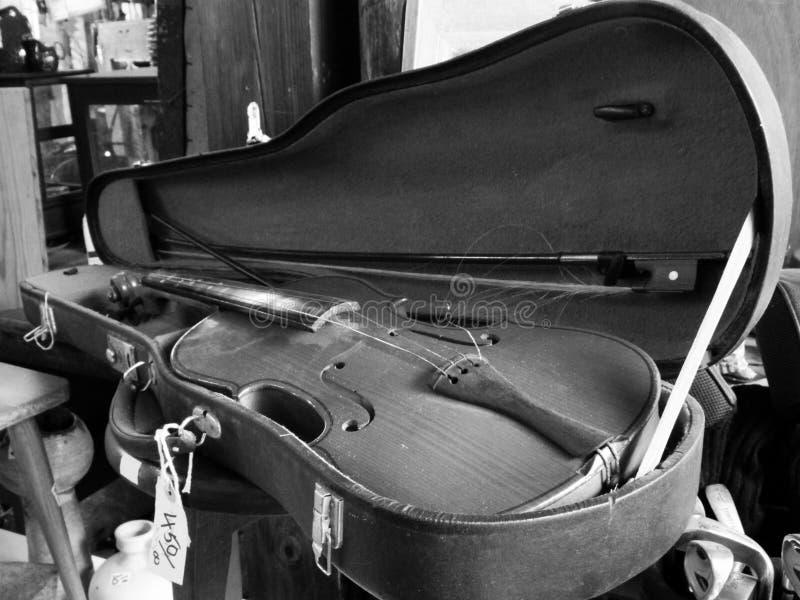 old violin for sale in antique shop with price tag stock image image 80846811. Black Bedroom Furniture Sets. Home Design Ideas