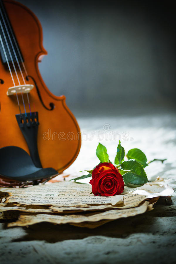 Free Violin Sheet Music And Rose Stock Photography - 37898412