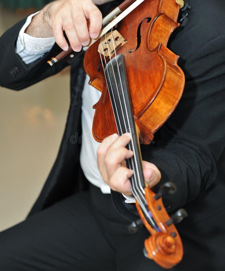 violinist för fiol för musikerfunktion leka arkivfoto