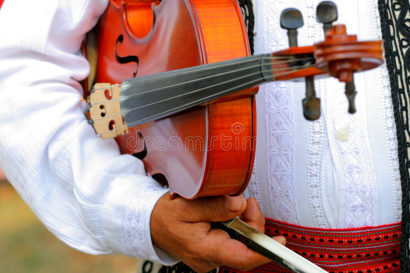 Violinist getting ready to play. The viola royalty free stock photos