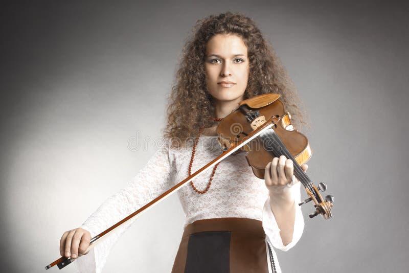 Violinista clásico del jugador del violín fotos de archivo