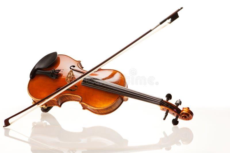Violino con l'arco immagini stock libere da diritti