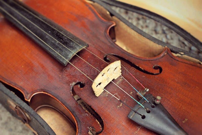 Violino do close-up no estilo do vintage foto de stock