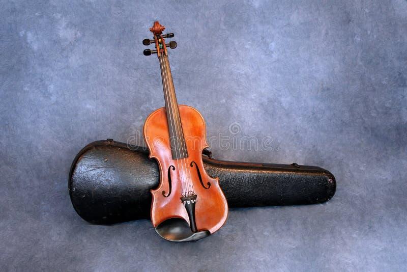 Violino e caso antigos fotografia de stock royalty free
