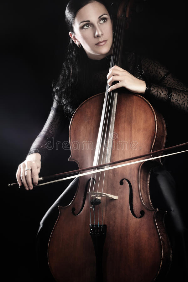 Violoncello παιχνιδιού βιολοντσελιστών στοκ φωτογραφία με δικαίωμα ελεύθερης χρήσης