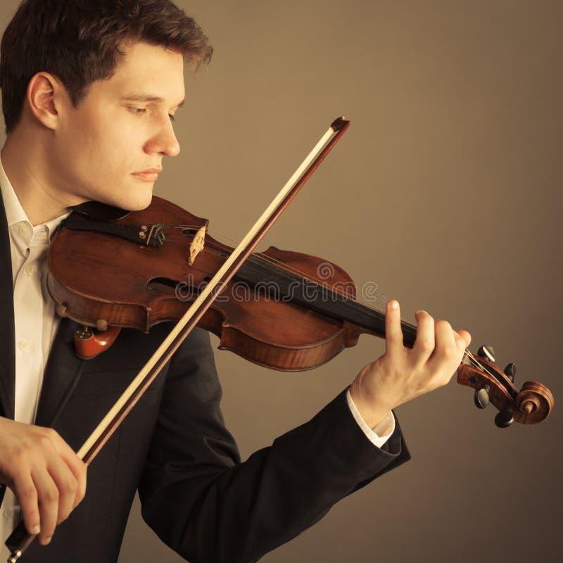 Download Violoniste D'homme Jouant Le Violon Art De Musique Classique Image stock - Image du stringed, string: 45361587