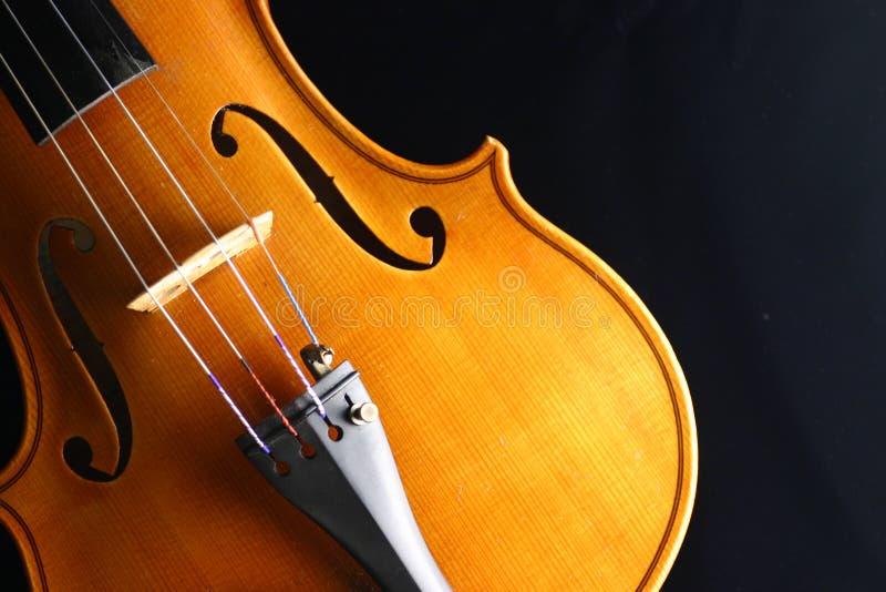 Download Viool stock afbeelding. Afbeelding bestaande uit koord, instrument - 40627