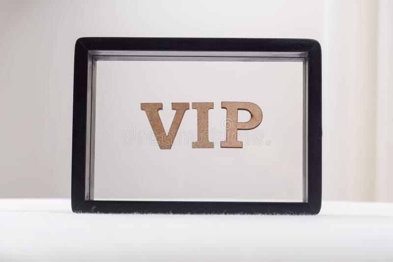 VIP在一个黑框架的抽象信件中写道 图库摄影