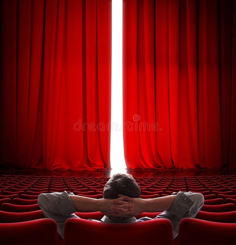 VIP zitting voor de lichtjes open 3d illustratie van het bioscoop rode gordijn royalty-vrije stock fotografie