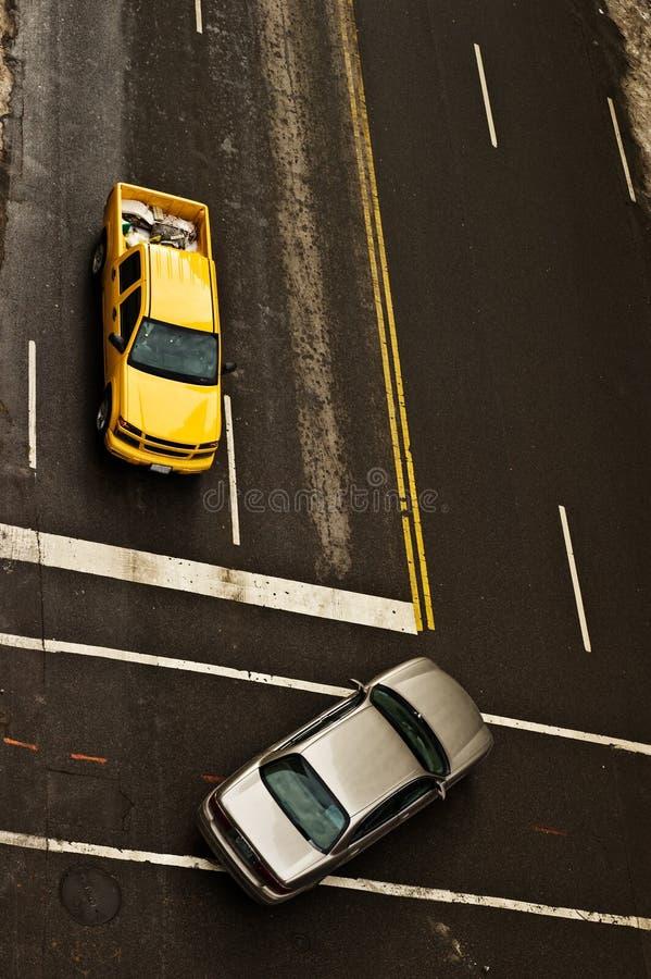 Virage à gauche de véhicule photographie stock libre de droits