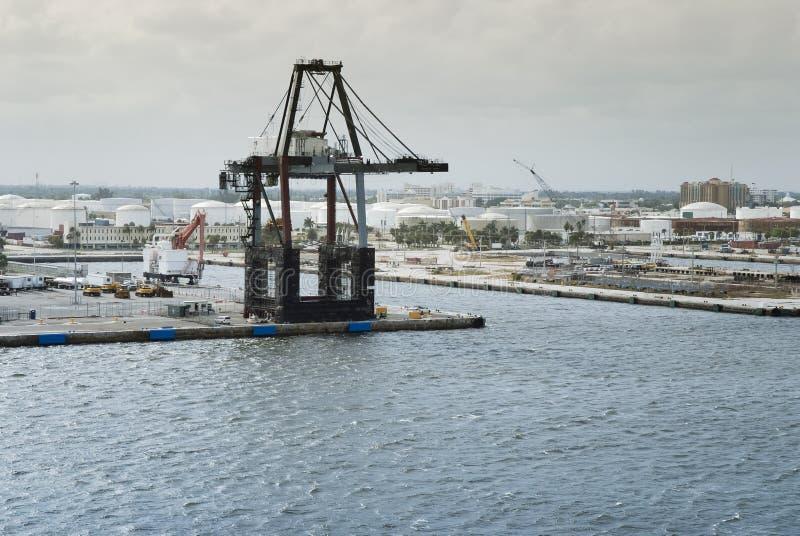 Vire los marismas hacia el lado de babor puerto industrial, Fort Lauderdale, la Florida foto de archivo libre de regalías