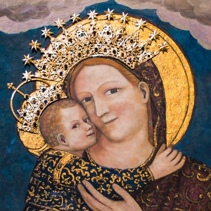 Virgem Maria com bebê Jesus na basílica de St Anthony dentro imagens de stock