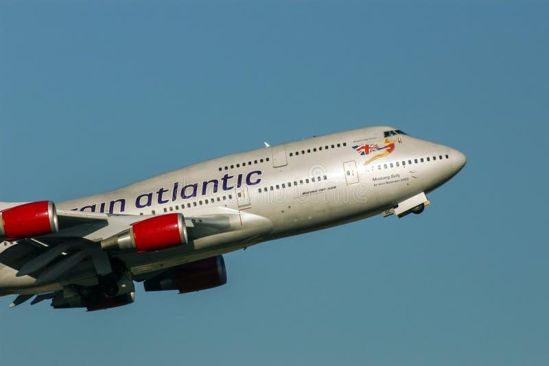 Virgin Atlantic Boeing 747 straal het genoemde opstijgen van Mustangsally stock foto's