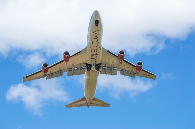 Virgin Atlantic enkel verwijderd Boeing 747 stock foto's