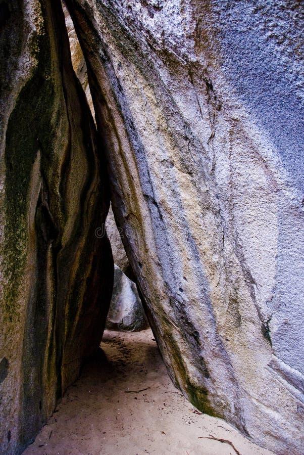 virgin gorda caverns ванны стоковая фотография rf