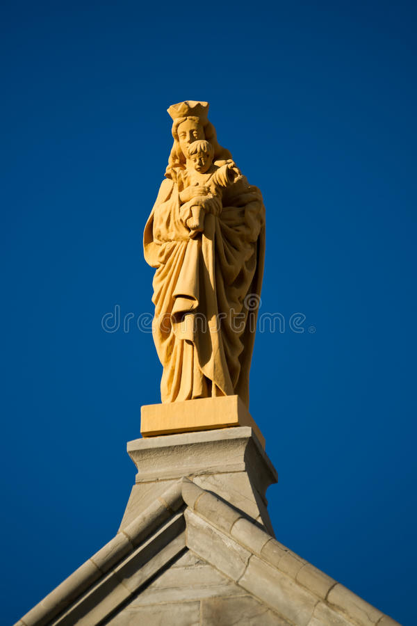 Download Virgin Mary With Child Statue Stock Photo - Image: 25787390