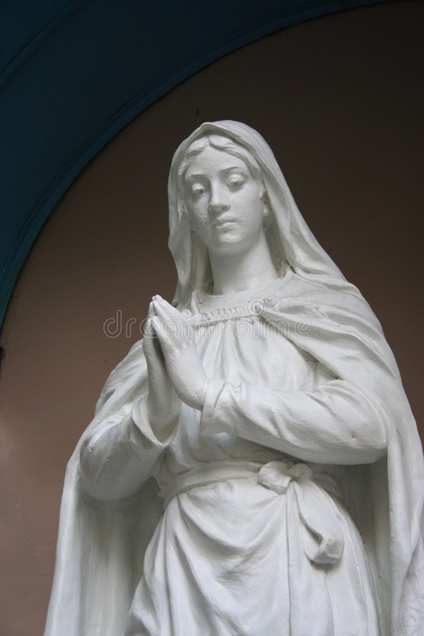 Free Virgin Mary Statue Royalty Free Stock Image - 5903956