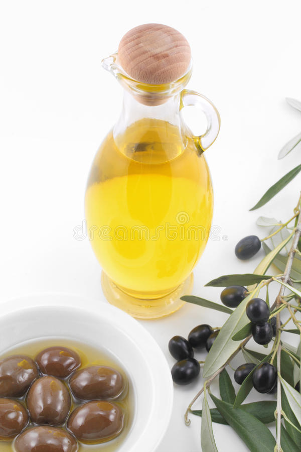 Free Virgin Olive Oil Royalty Free Stock Photography - 17322807