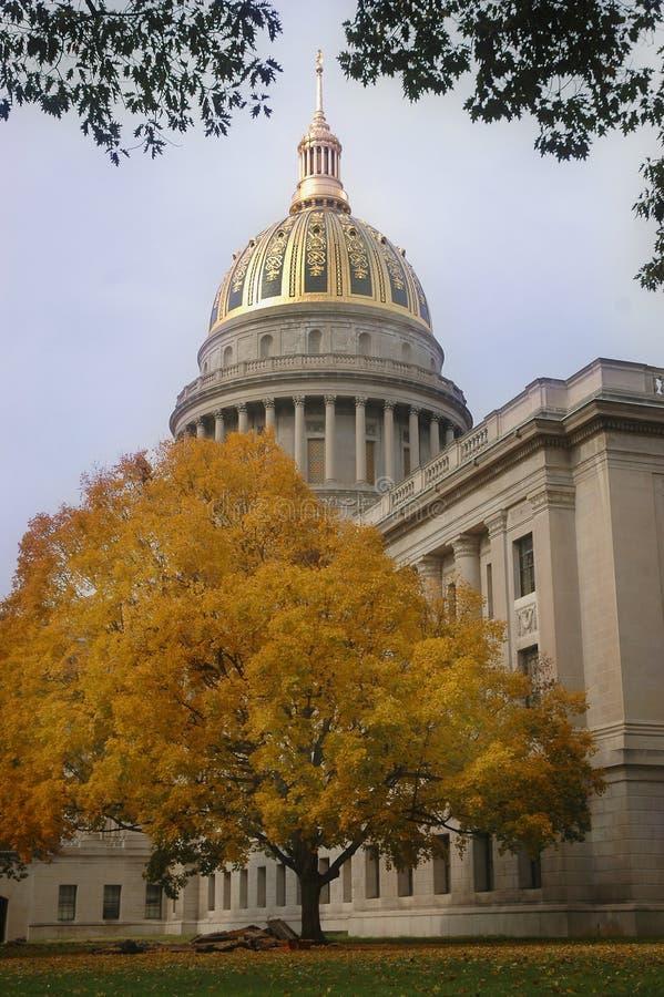 Virginia Capitol occidentale dans l'automne image stock