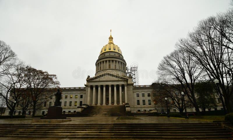 Virginia State Capitol ad ovest un giorno piovoso fotografia stock libera da diritti