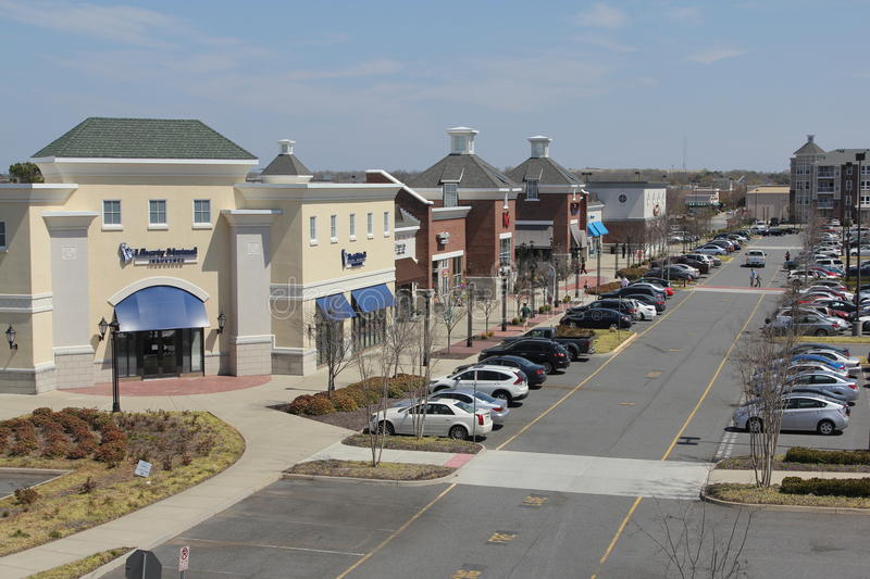 Virginia Town Place Strip Mall royaltyfri fotografi