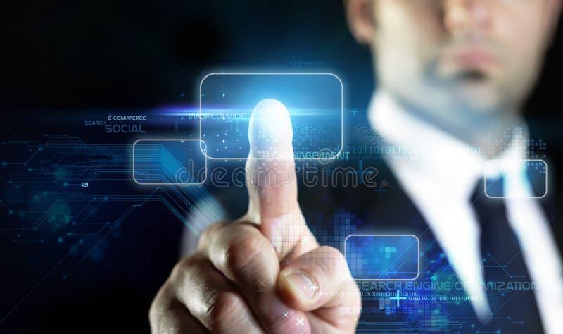 Virtuelle Technologie am Onlinemarketing lizenzfreie stockfotografie