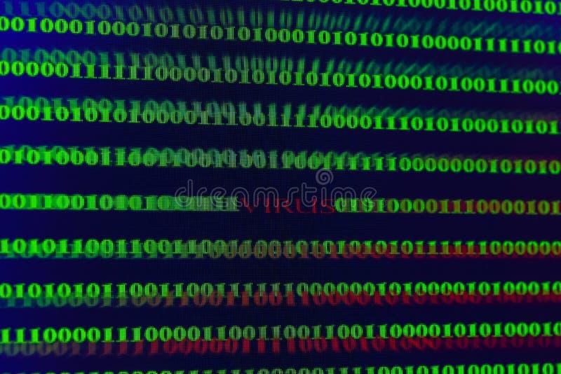 Virus in computercode inzake zwarte achtergrond royalty-vrije stock fotografie