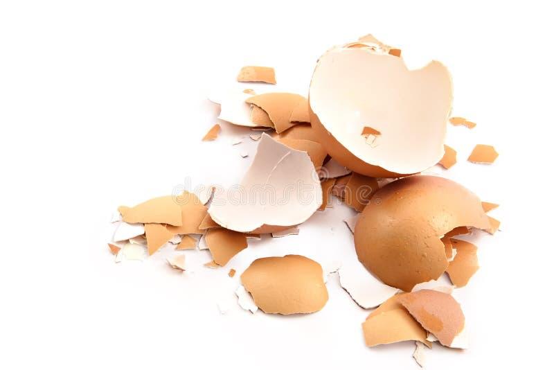 Virutas de la cáscara de huevo machacada foto de archivo libre de regalías