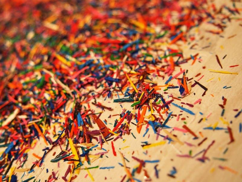 Virutas del l?piz aisladas Microprocesadores multicolores hermosos de los lápices coloreados Detalles y primer fotos de archivo