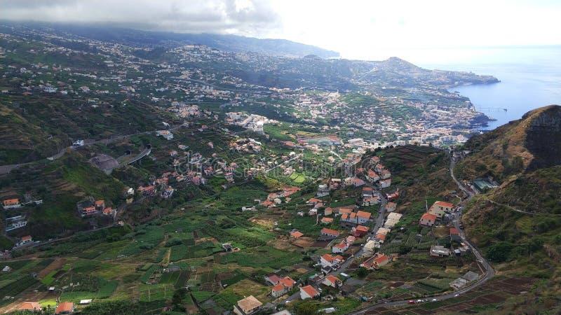 Virw de Funchal del oeste, Madiera del lado de la montaña imagen de archivo libre de regalías